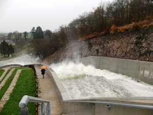 Une Inauguration Bien Arrosee Pour Le Barrage Renove De Pont