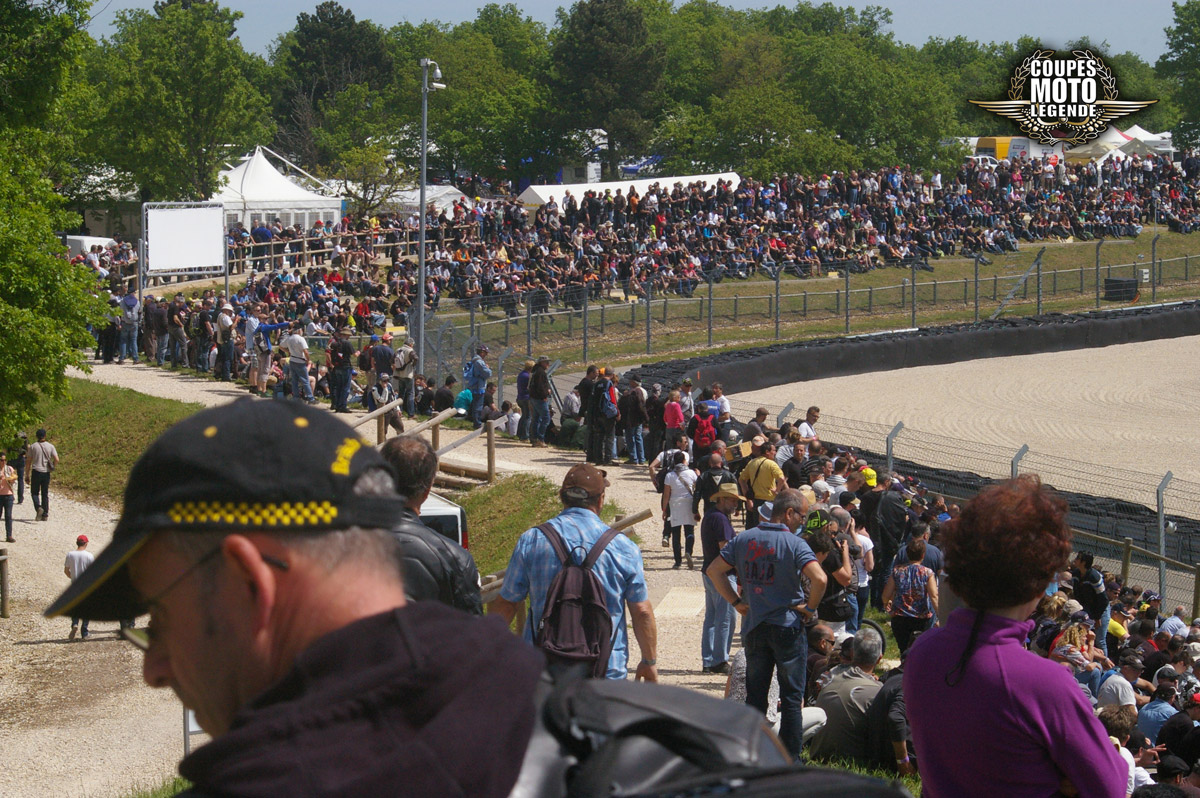 motos_legendes_Pano-circuit-foule01©bidaut_blog